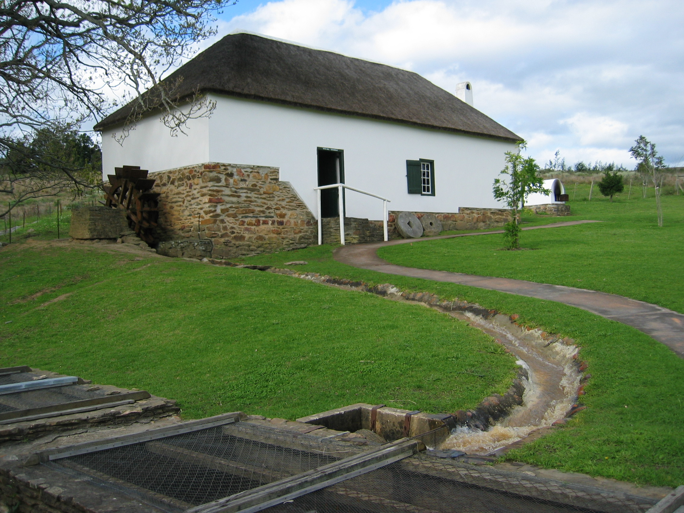 Restored_mill_at_Swellendam